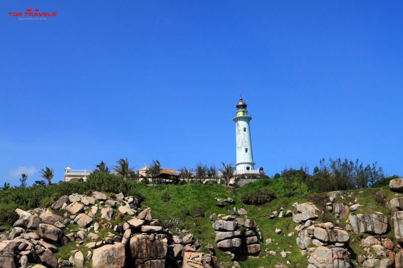 Ngọn hải đăng ở đảo Nam Du