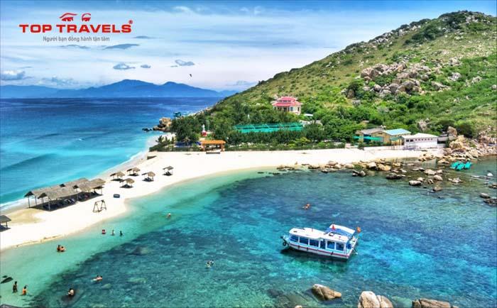 Khám phá Bãi Tắm Đôi Hòn Nội ở Nha Trang