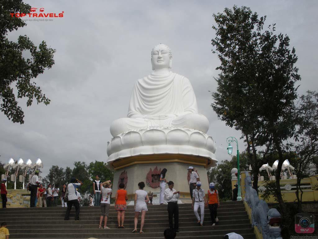 Chùa Long Sơn -9 địa điểm du lịch Nha Trang