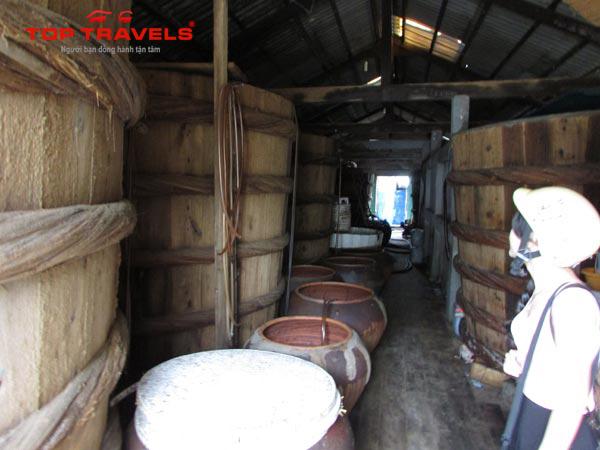 Đặc sản nước mắm thùng ở Hòn Sơn
