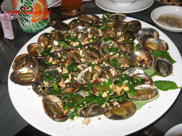 Top 10 Món Ăn Không Thể Bỏ Qua Khi Du Lịch Côn Đảo