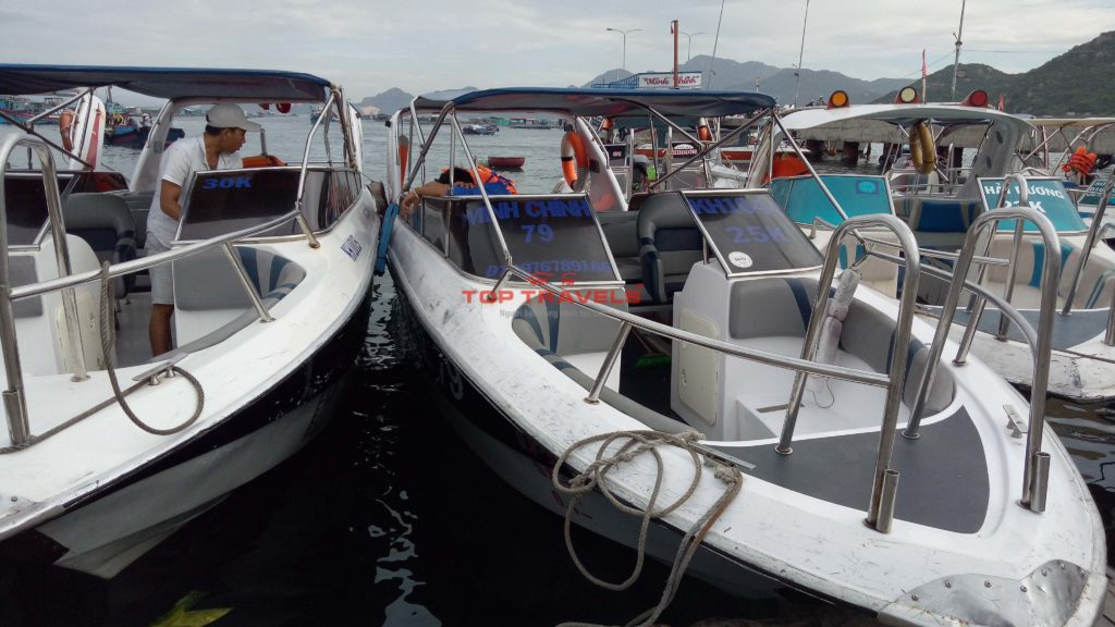 Cano Minh Chính đi đảo Bình Ba