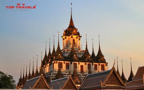 Chùa Wat Ratchanaddaram Tại Thái Lan