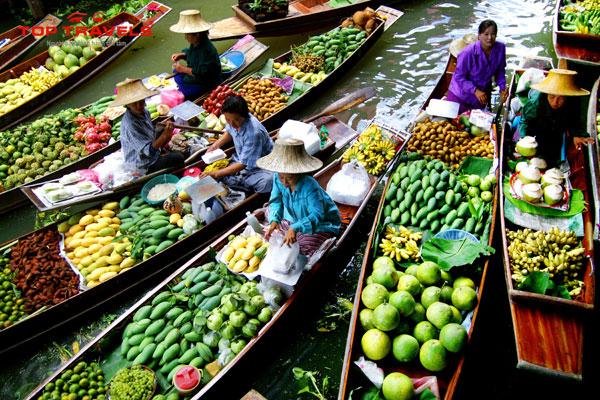 Thưởng thức trái cây khi đi du lịch Thái Lan