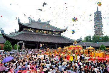 Tour chùa Hương 1 ngày 1 đêm từ Sài Gòn