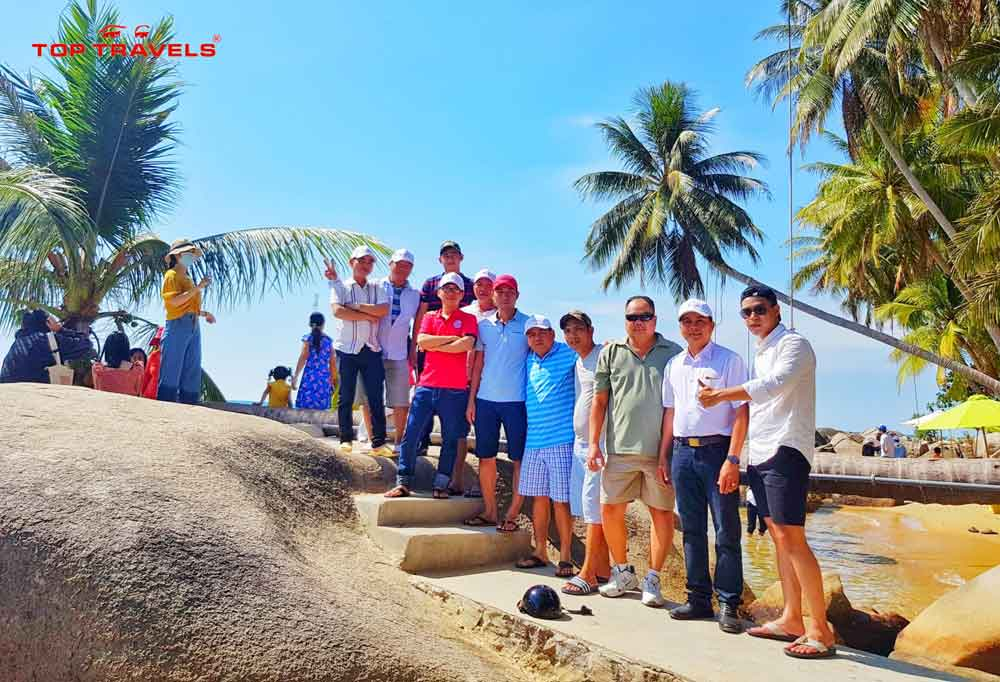 tour-dao-hon-son-thang-11-top-travels
